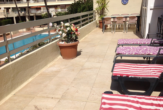 Sunny balcony of Parque Marbella Apartment 51F